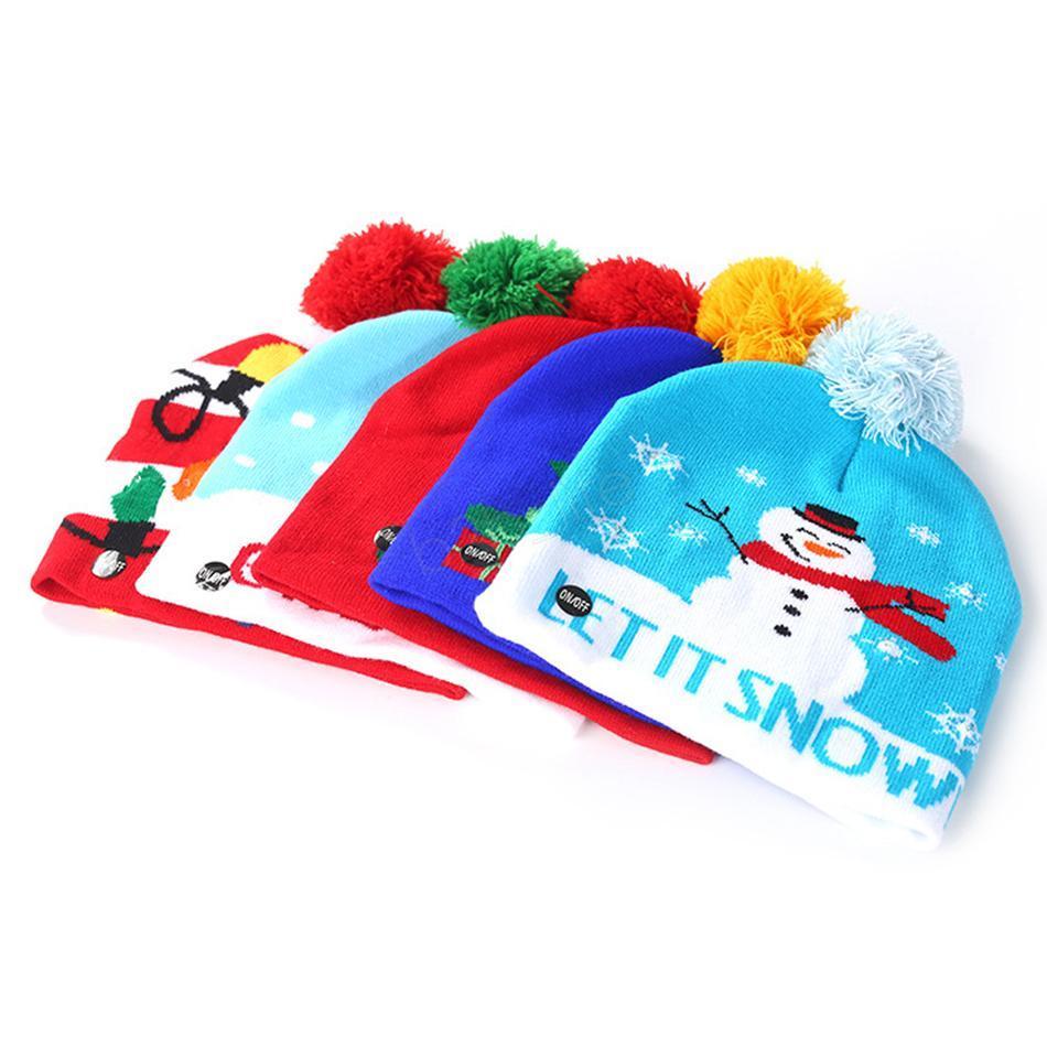 Tejer sombrero LED de iluminación LED Pom Beanie Niños Adultos ciervos casquillo de la bola del copo de nieve de Navidad Luces de punto de ganchillo Navidad Holloween LJJA2844