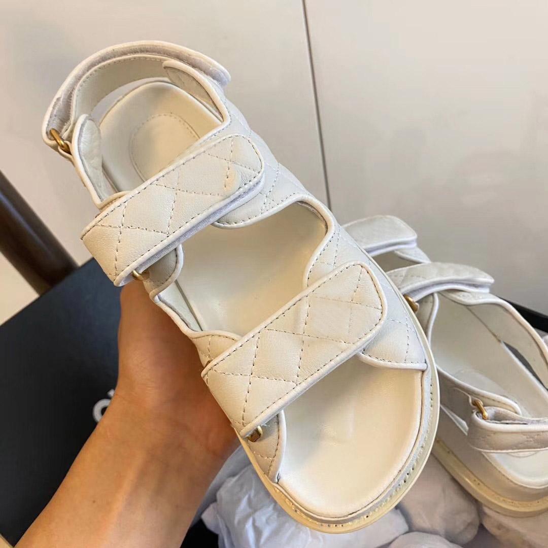Mulheres Sandals viagem Boutique simples nobre fundo grosso Lambskin Suede marca de moda sexy ladies toe Exposed sandálias casuais ocos