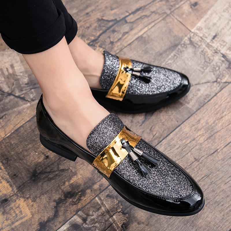 M-anxiu heißen Verkaufs-Männer Flat Black Goldene Formal Patchwork Schuh PU-Leder-beiläufige Herren Schuhe für Mann-Kleid-Schuhe 2020 Neue