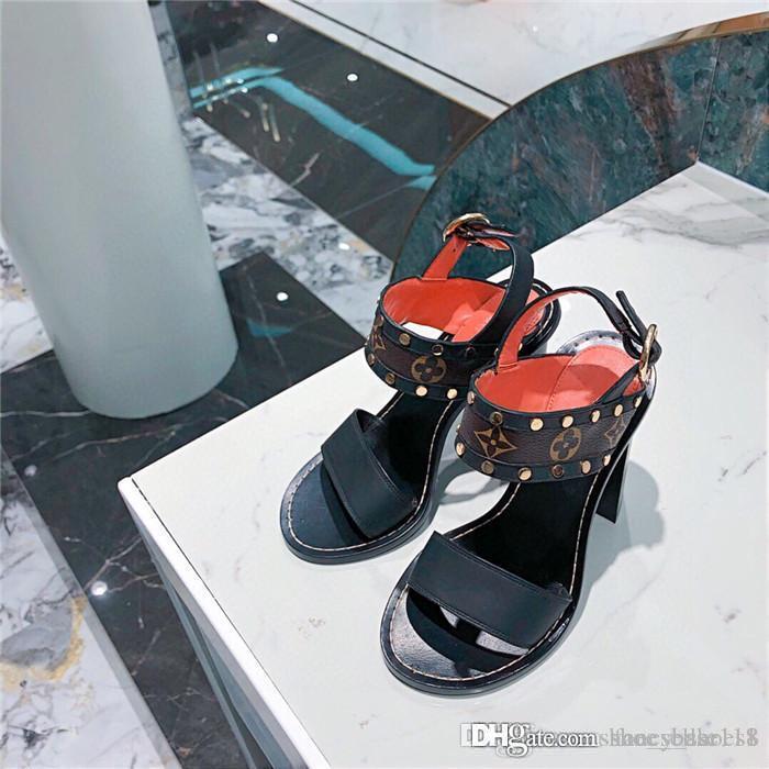La primavera e l'estate per le donne è di serie l'uno-banda sandalo di sandali tacco medio con un'altezza di tacco di 4,5 centimetri Dimensioni 35-41