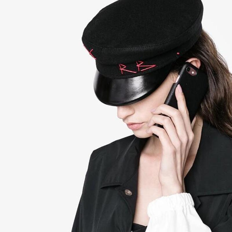 FASHION- Cap femmes Broderie garçon boulanger de laine militaire casquettes britannique classique Femme Gatsby chapeaux plats