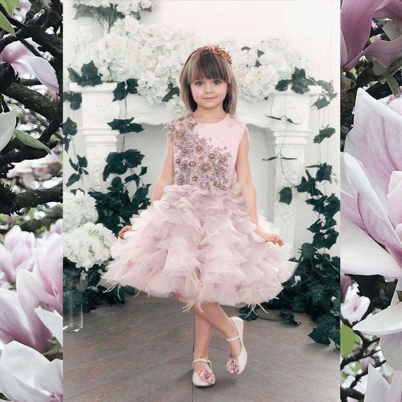 Vestidos cortos vestidos de novia sin mangas rubor perlas niña de las flores vestidos de encaje apliques de plumas de época para la Pequeña novia