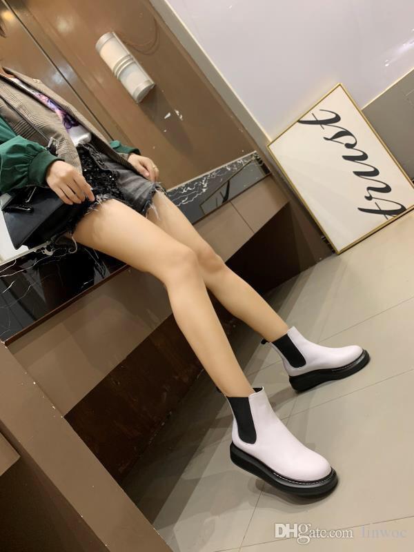 Livraison gratuite sexy de luxe de femmes Chaussures Vintage Ladies Excellente Bottines tendance cool célèbre de haute qualité Bottes Casual Blanc