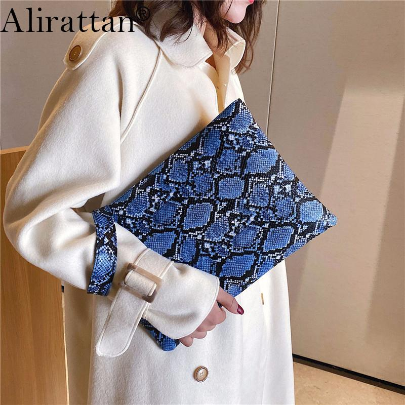 Alirattan 2020 New Trendy Clutch Bag Snake Women's Pouch Fashion Envelope Bag Party Evening Python Clutch Bags Purse Ins F360