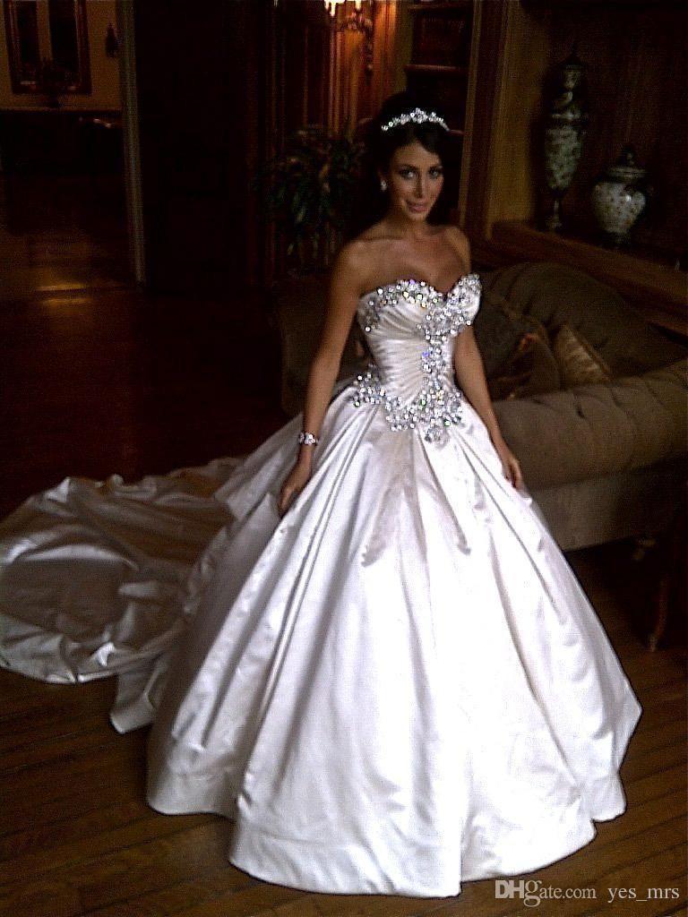 Роскошные винтажные бальное платье Свадебные платья Милая бисером Кристалл Sparkly атласная Часовня Поезд Ruched Плюс Размер Формальные Свадебные платья