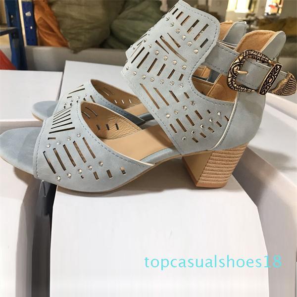 2020 neue Frauen-Leder-Sandale Designer Geschnitzte Ausgehöhlte Thick High Heels Schwarz Western-Art-Fisch-Mund-Schuhe US4-12 mit Kasten t18