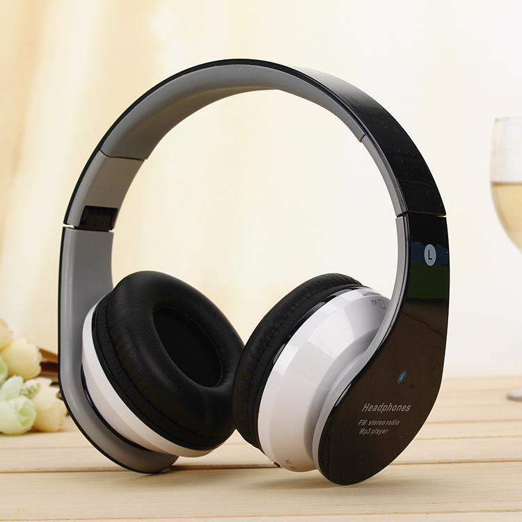 Head-mounted dobrável chamada de jogo fone de ouvido sem fio Bluetooth fone de ouvido de telefone de trigo baixo MP3 Pluggable cartão
