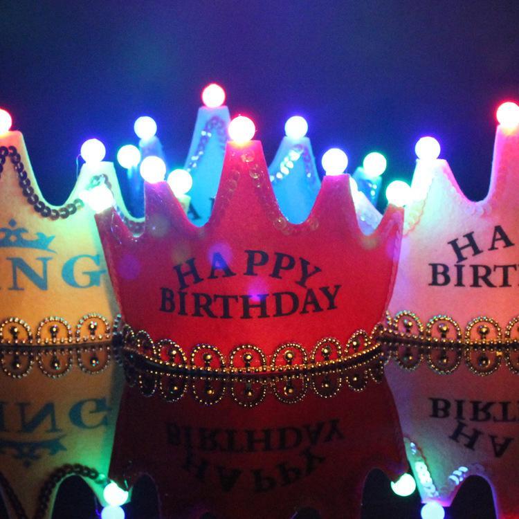 LED di compleanno protezione di parte superiore Glowing 5 lampada Corona Cappello Re Crown Princess Copricapo Buon Compleanno Decorazioni del partito glitter Corone GGA2960