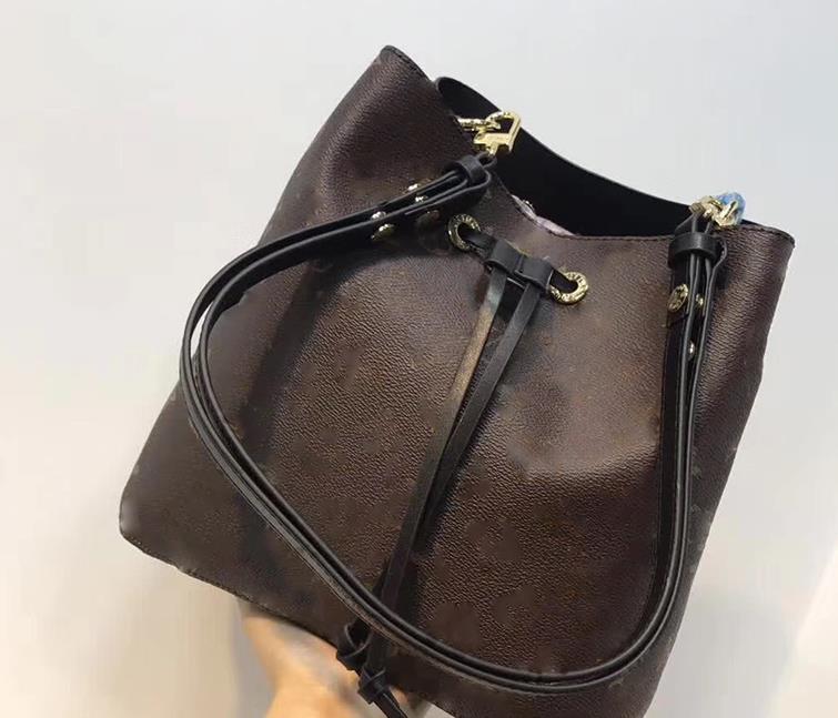2019 donne di modo Sacchetto di cuoio genuino della benna famoso designer coulisse fiore borse stampa borsa crossbody il trasporto libero globale