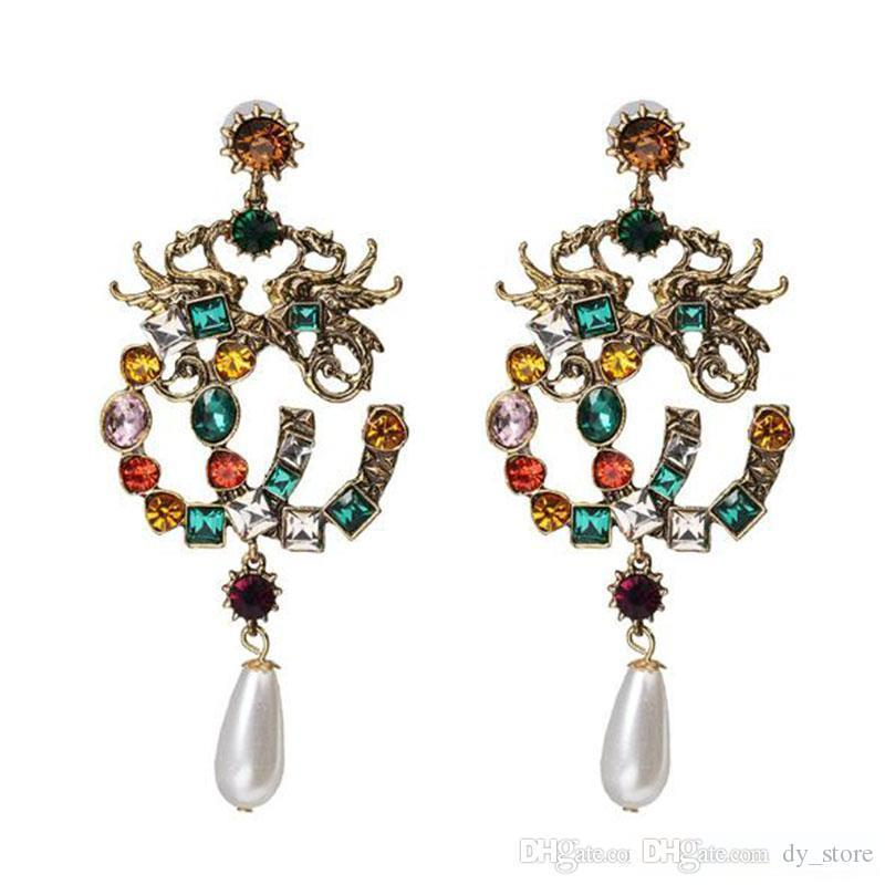 Della Boemia all'ingrosso variopinto di modo di cristallo di Lettere orecchino di perla Waterdrop ciondola gli orecchini donne fascino retrò gioielli e accessori