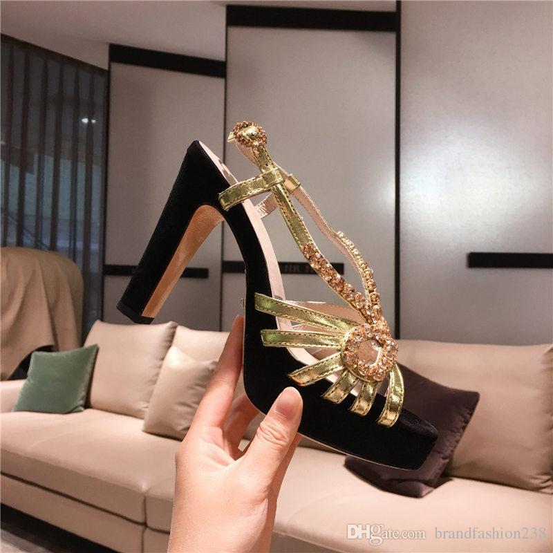 Diseñador de lujo Sandalias clásicas Dama verano 2019 Diseñador Diseñador Diseñador de lujo Sandalias de marca Superstar Elegantes tacones gruesos de mujer