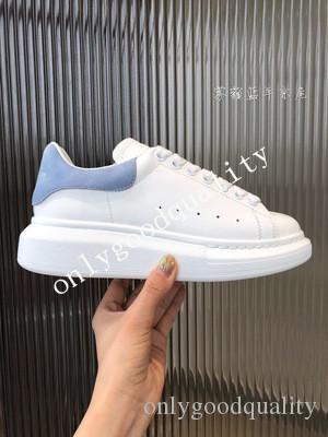 Italien 2020 Männer Frauen Freizeitschuhe Günstige beste Qualität der Frauen der Männer Fashion Sneakers Partei-Plattform-Schuhe Light Blue Velvet Chaussures Turnschuhe