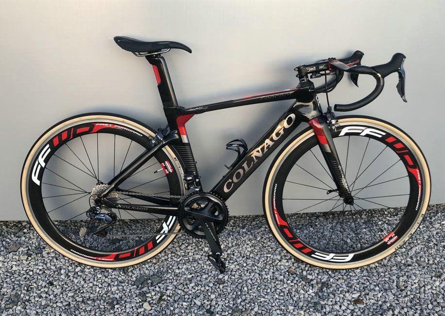 15 Renkler Kırmızı Colnago Kavramı Karbon Komple Yol Bisikleti Gümrükleme DIY Bisiklet R7010 Groupset 50mm FFWD Wheelset