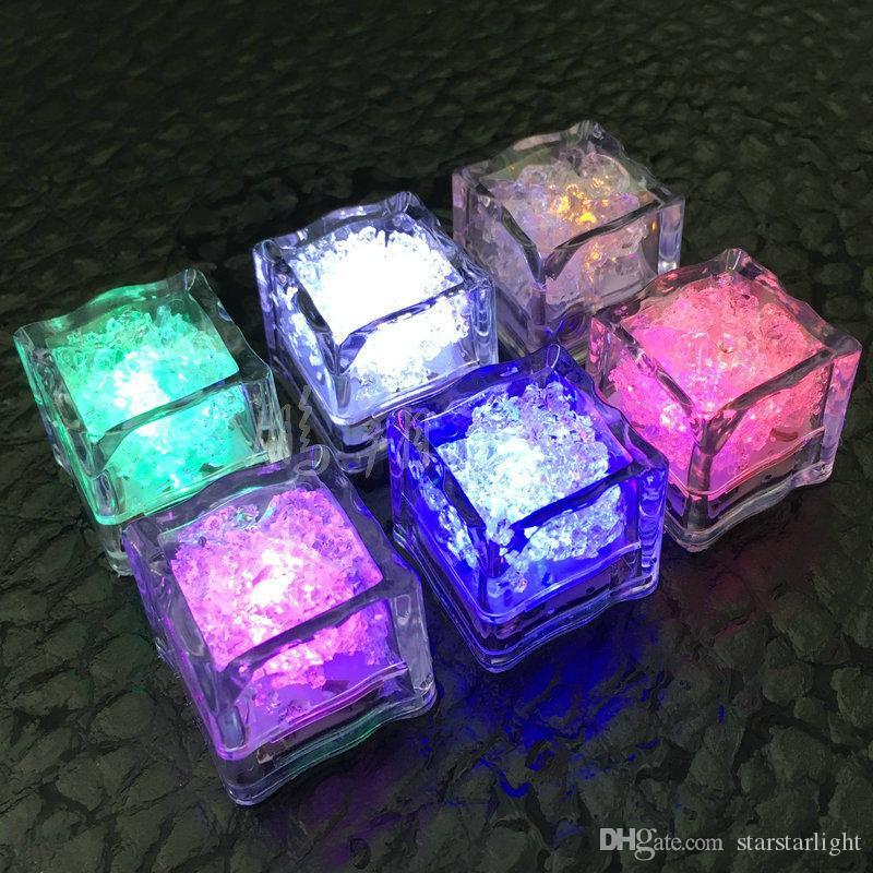 Polycherome flash ice cube couleurs flash allumer un glaçon au plomb pour boisson blanc Nouveauté Nuit Lumière LED Party Lights pour bar club pub ktv