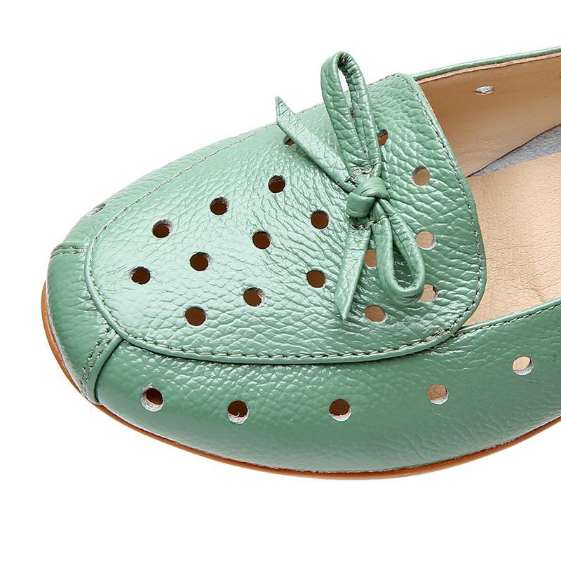 OUKAHUI Tamanho 34-43 Primavera de couro genuíno Deslizamento-na de Verão Sapatos Mocassim Mulheres Ballet-Flats com bowknot oco Ladies Shoe Casual