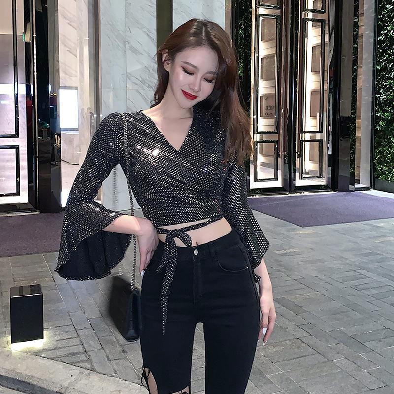Moda Womens 2020 Outono de Moda de Nova Sexy V-neck Cruz recorte Strap Lantejoula T-shirt Slim Slimming Bottoming shirt