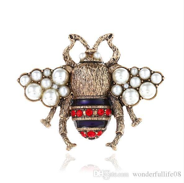 Bal arısı Broş Kristal Elmas Arı iğneler Lüks tasarımcı Broş Çinko Alaşım Yapay elmas Moda Kadınlar Böcek Triko iğneler