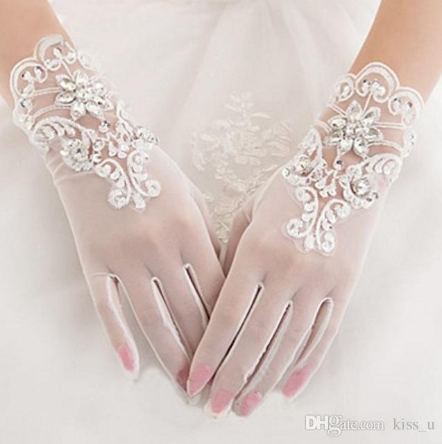 2019 Kısa Beyaz Tül Gelin Düğün Eldiven Bilek Uzunluğu Dantel Aplike Boncuklu Kadın Gelin Parti Hediyeler Yeni Varış