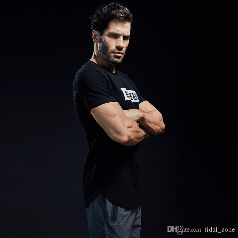 T-shirt da ginnastica a maniche corte T-shirt da ginnastica in cotone assorbente per il sudore ad assorbimento del sudore della palestra da uomo nuova moda maschile 2019