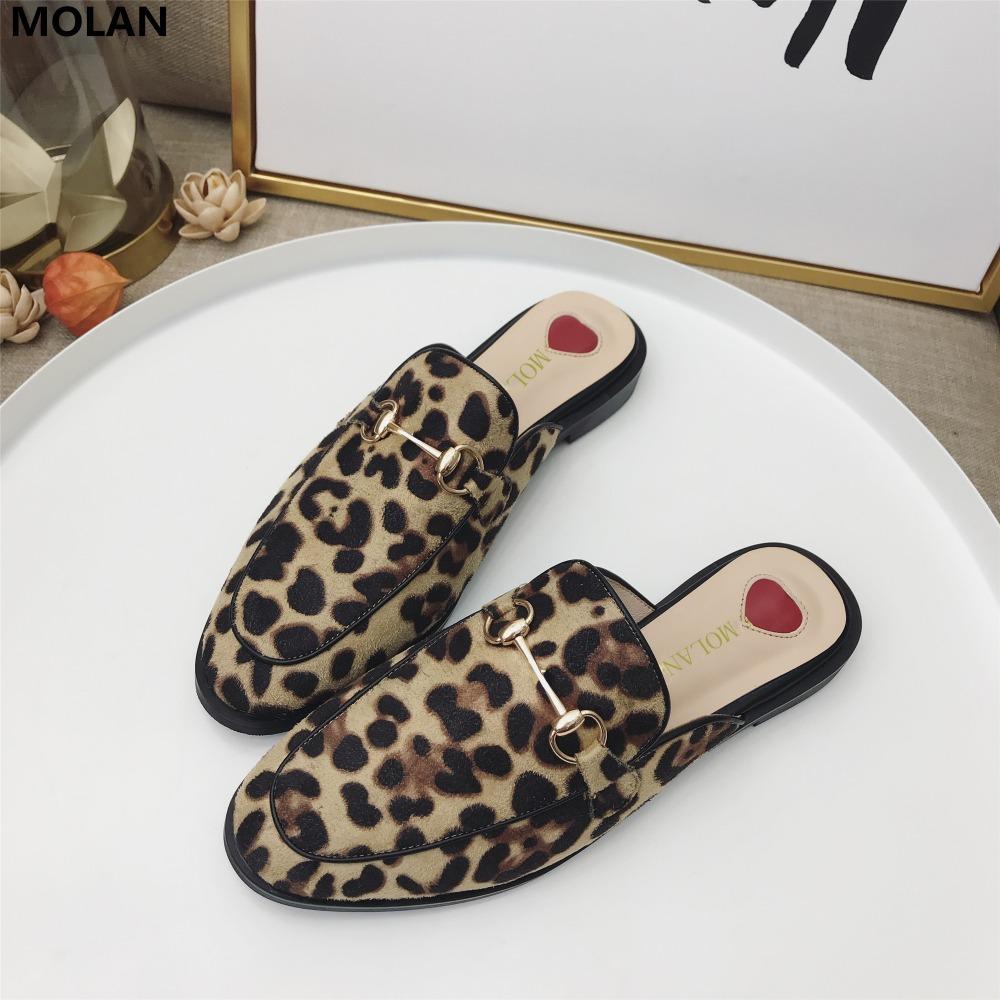 Molan ماركة المصممين 35-40 مثير ليوبارد سلسلة معدنية جولة تو شقة فلوك النعال امرأة أحذية الانزلاق على متعطل البغال زحافات