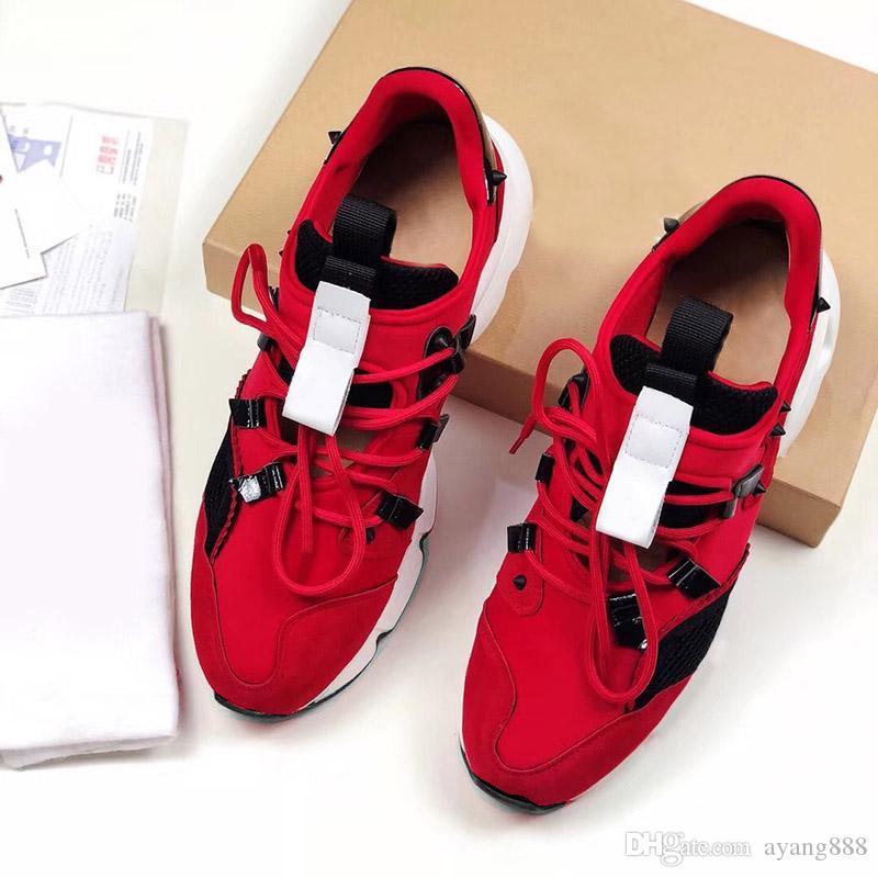 Designs Moda de Spike Loafer Sapatos Red Sneaker partido inferior sapatos de casamento Couro Spikes Lace-up Casual Shoes com boxs 3color