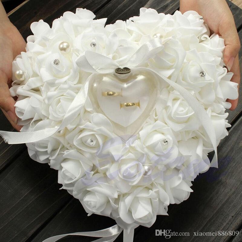 결혼 반지 베개 의식 아이보리 새틴 크리스탈 꽃 반지 베어러 베개 쿠션 심장 모양 꽃 반지 베개 쿠션
