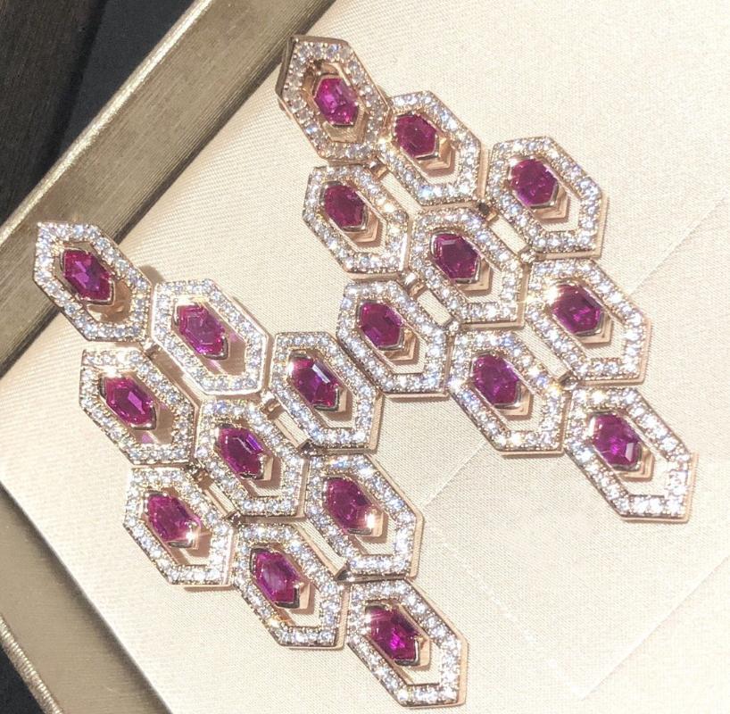 Frauen-Diamant Rubin Ohrringe klassische Partei Ohrringe Sub-gold Material Gold überzogen Sterlingsilber-S925 Pfosten baumeln Ohrringe Feine Jewelry1
