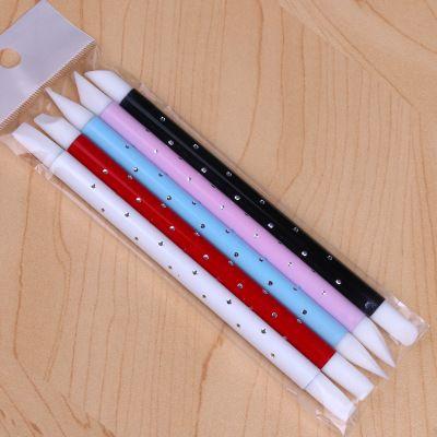 Ultimo stile Nail Art Hollow Carving Pen 5 PCS / set Silicone a due teste Stamping Penne a due vie con unghie strumenti economici