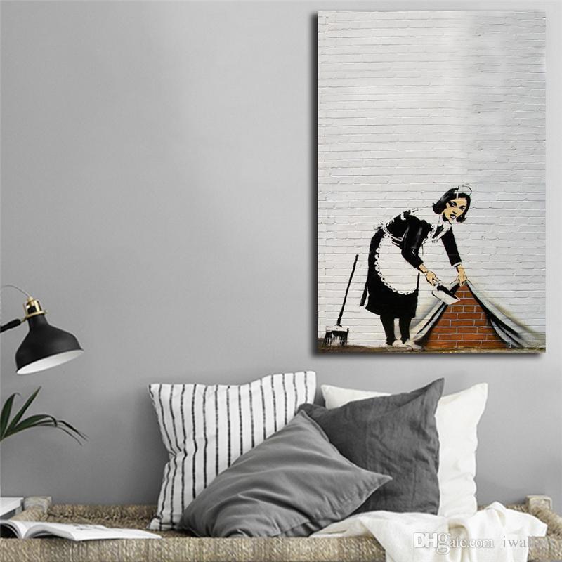 Banksy Maid Sweeping Street Graffiti Wandkunst Leinwand Poster Und Druck Leinwand Malerei Dekorative Bild Für Wohnzimmer Dekor