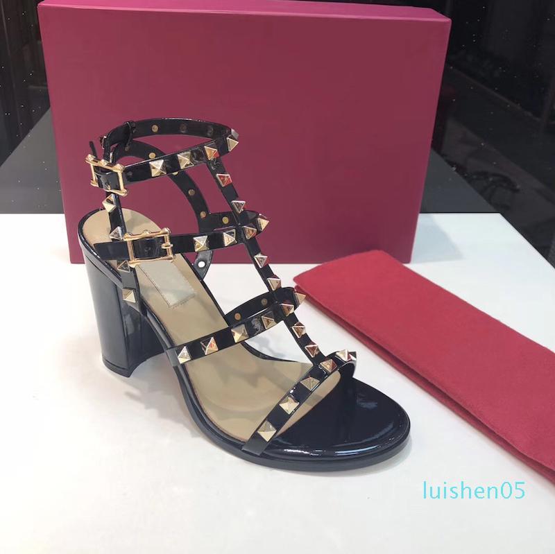 mulheres de couro sandálias do parafuso prisioneiro T-correias das sandálias de verão Salto Alto rebites sapatos Ladies Sexy sapatos de festa 6.5cm 15color 9,5 centímetros com caixa de l05