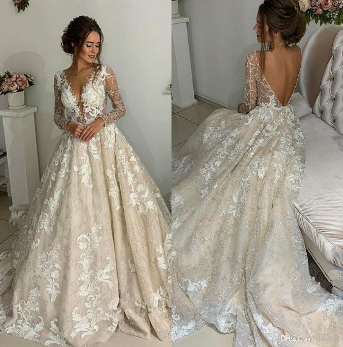 Großhandel Vintage Rückenfreie Brautkleider V Ausschnitt Rückenfreie Spitze  Brautkleider Mit Langen Ärmeln Boho Land Hochzeitskleid Plus Größe Von