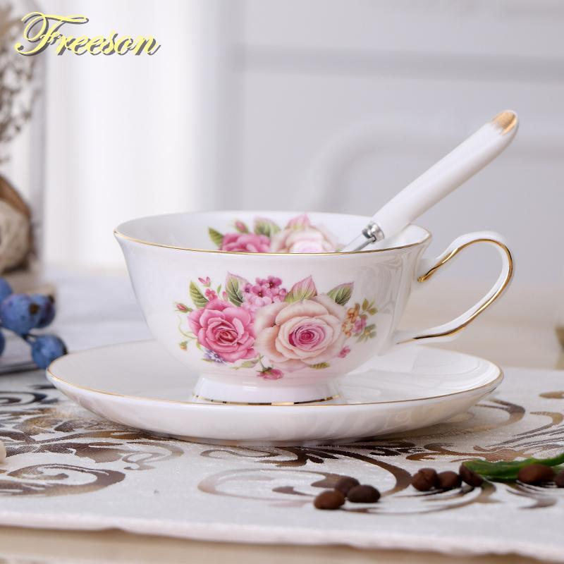 Bone China floreale tazza di tè piattino Spoon Set Europa ceramica elegante profumata Teacup 200ml Dropshipping britannico della porcellana della tazza di caffè