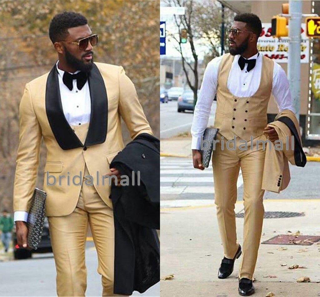 Chic oro tre pezzi Prom abiti da uomo Groomsmen Smoking da sposa per uomo Blazer Scialle Risvolto One Button Abiti formali (Giacca + Pantaloni + Gilet)