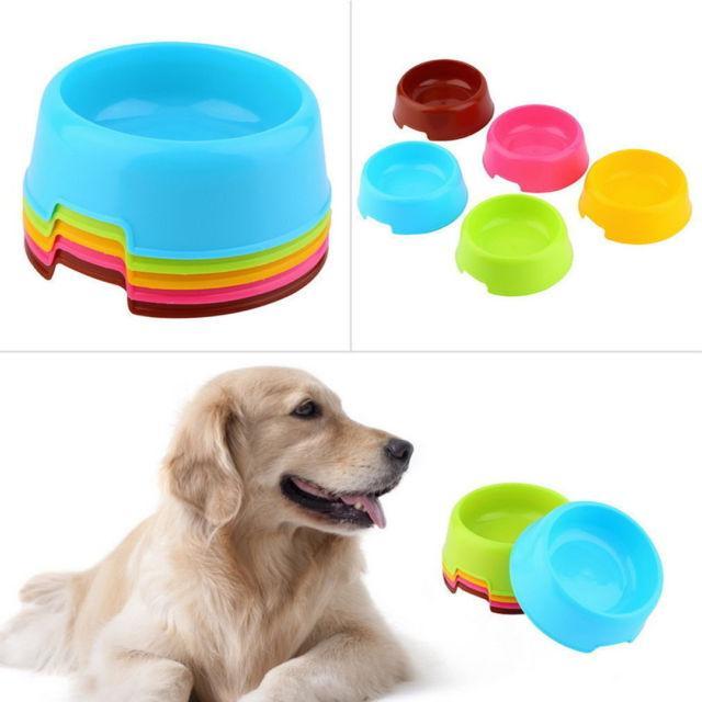 5 ألوان الكلب القط الحيوانات البلاستيكية الغذاء تغذية السلطانية مياه الشرب صحن عموم الطاعم جرو الكرتون السلطانية الطاعم لون الحلوى AAA470
