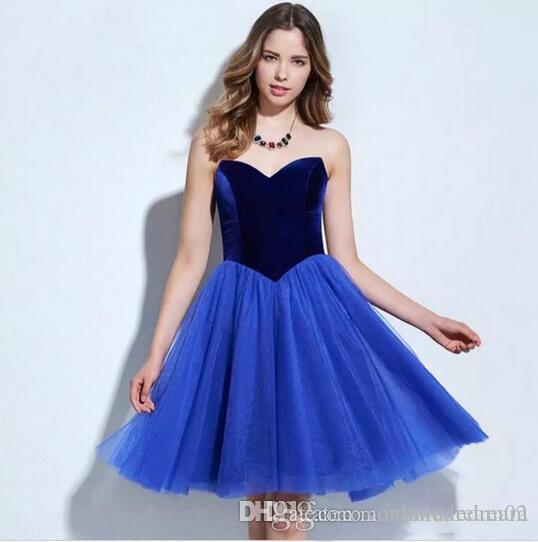 Последние с плеча Потрясающие коктейльное платье длиной до колен бархатным лифом платье моды девочек Платье де coctel