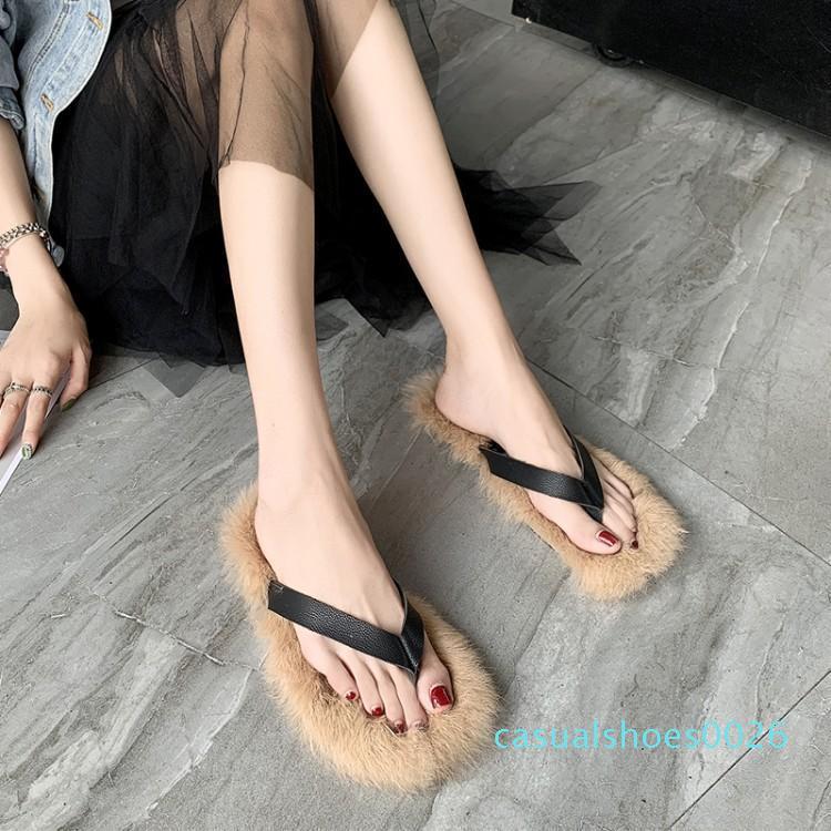 Runway Schwarzes Leder Flip Flops Luxury Fur Slippers Frauen Womens Wohnungen Sommer-Damen-Schuhe Outdoor-Slides Designer Schuhe C26