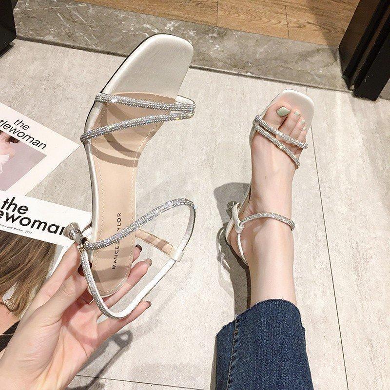 7 CM Stiletto Sandalet Kadınlar Bej Yeşil Seksi İnce Topuk Sandalet Yaz Parlak Kristal Bant Açık Toe Yüksek Topuklar Kadınlar daraltmak