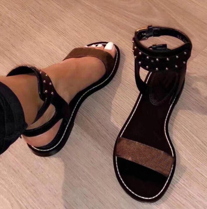 Las más nuevas mujeres de impresión de cuero sandalias ocasionales en huelga Gladiador estilo del cuero del diseñador plana suela perfecta del talón llano sandalia Tamaño 35-46 qw20