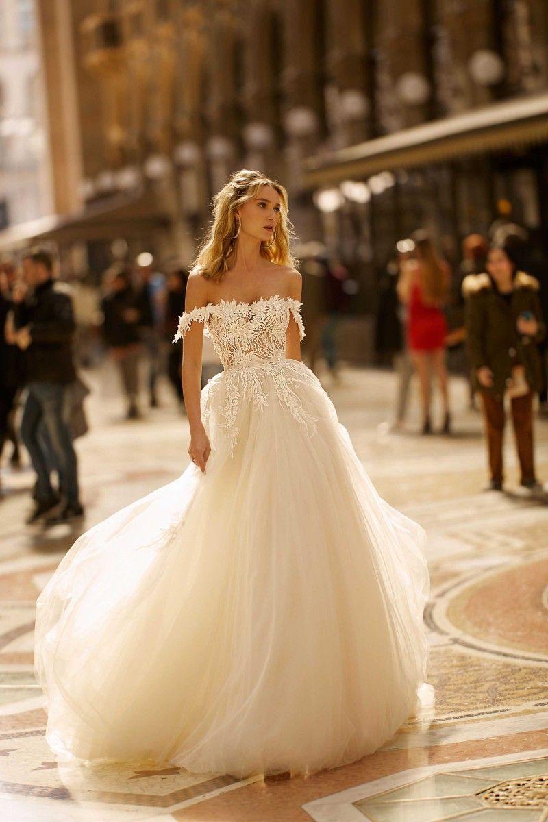 A Line Berta Wedding Dresses Off The Shoulder Lace Appliqued Sweep Train Light Champagne Bridal Dress Custom Made Boho Wedding Gowns