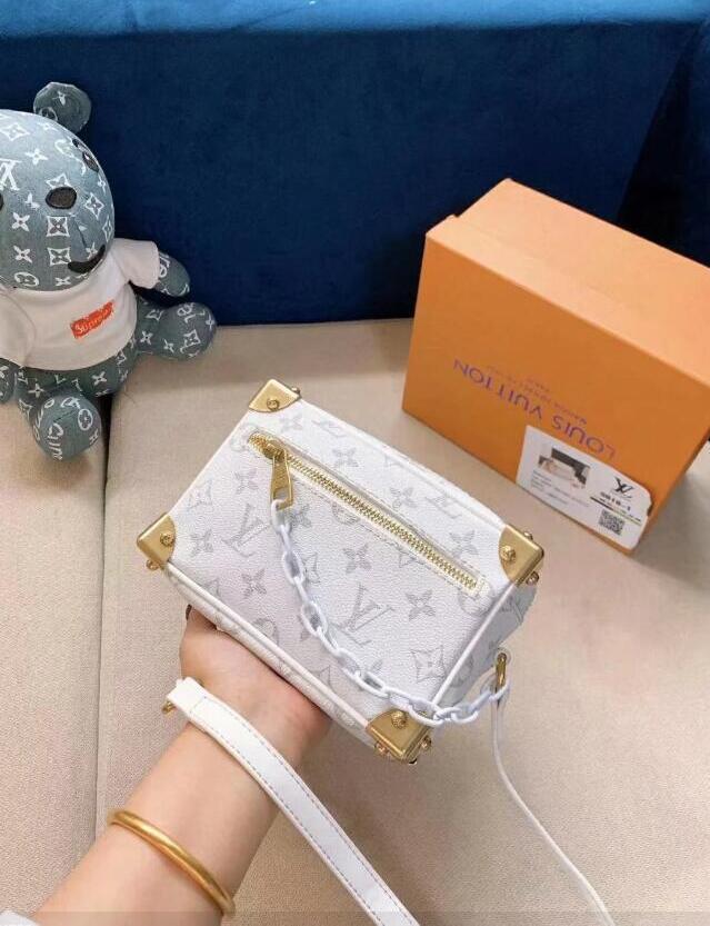 Üst Kalite Kadın Tasarımcı Çanta Çantalar Çanta crossbody çanta Bayan Tasarımcı Çanta Marka Moda Tasarımcısı Tote Çanta Debriyaj Çanta 39 cüzdanlar