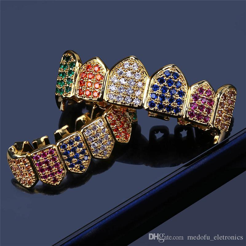 Gold Teeth Men CZ colorato placcato oro di Grillz 6 Superiore Inferiore Dente Faux dentale Griglie per le donne Hip Hop Rapper regalo dei monili corpo