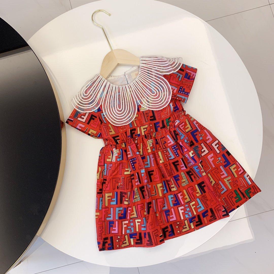 2020 الجودة الفاخرة طفلة مصمم اللباس منقوشة تنورة على شكل قلب الملابس المطبوعة المضادة للفتاة باللباس الطفل
