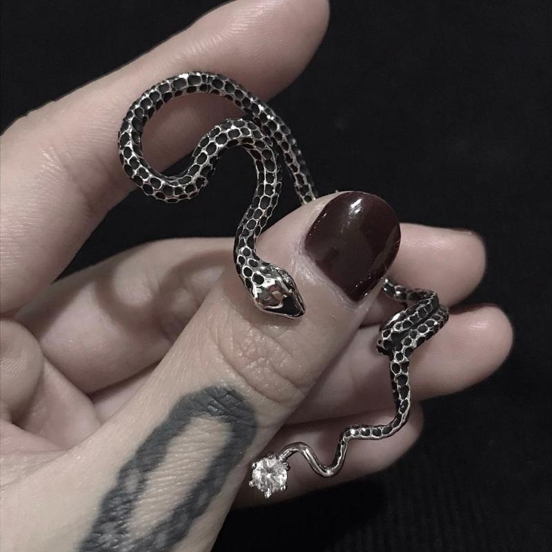 HUANZHI New Vintage Copper Individuality Twined Snake Metal Ear Bone Clip No Piercing Earrings for Women Men Couple Party