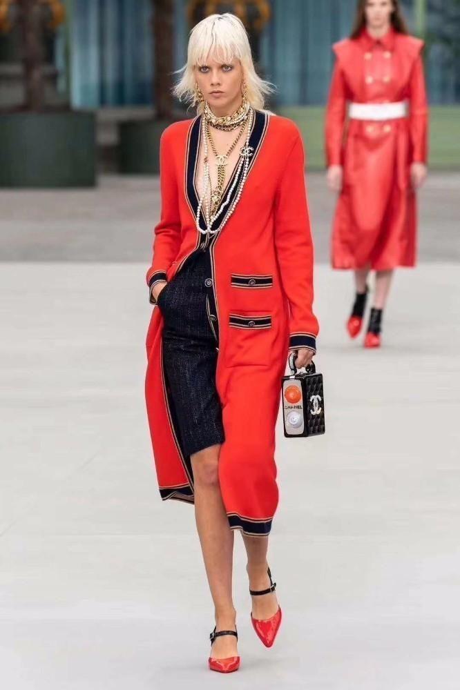2019 neue europäische und amerikanische Stricken vier Temperament Damen Größe V-Ausschnitt Jacke Strickjacke Mode Jacquard-Jackenfrau 630