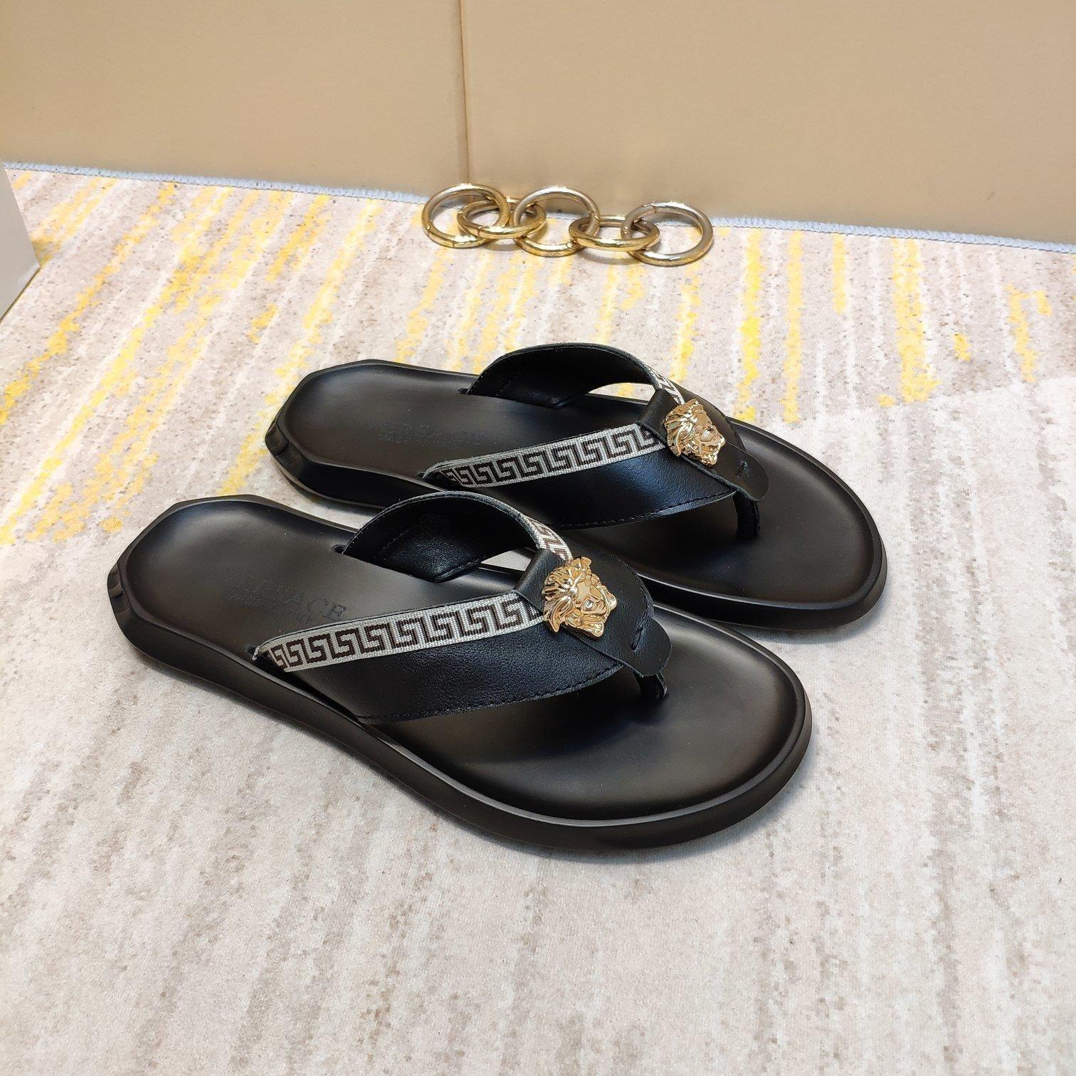 جديد النعال الصيف العلامة التجارية الإيطالية للرجال جودة عالية اصبع القدم في الأماكن المغلقة الصنادل الجلدية الشاطئ الرجال شقة الاحذية