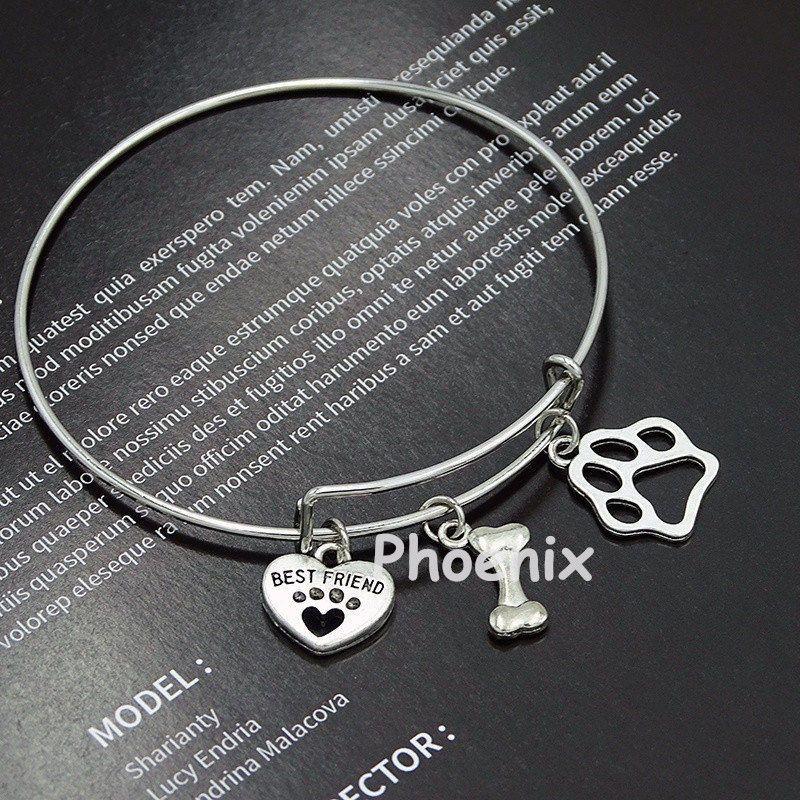 Camping remorque-voyageur avec feu et trouver la joie dans le voyage bracelet de charme bracelet gants de baseball cap bâton charme chat chien patte bracelet