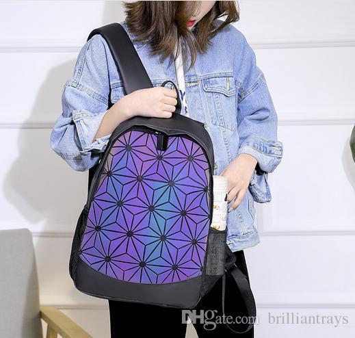 A mais quente marca homens e mulheres ao ar livre esportes mochila Designer 3D rhombic colorido mochila Elite saco de computador saco de Estudante Frete grátis