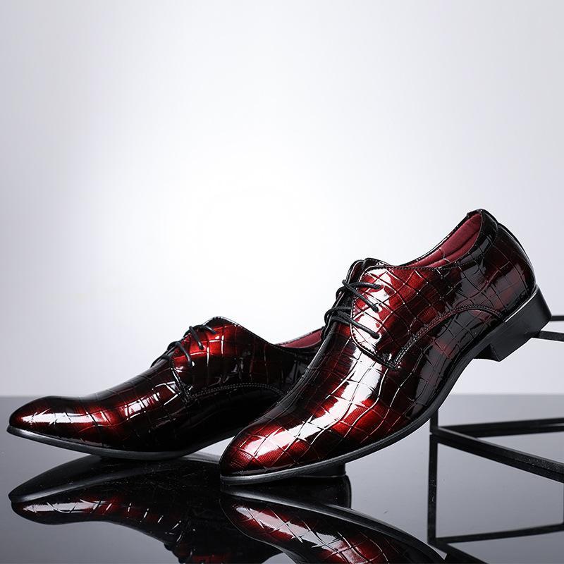Padrão Nova Crocodie homens britânicos de couro Lace up Vestido de Noiva Sapatos partido Oxfords cavalheiro sapatos tamanho grande 37-48