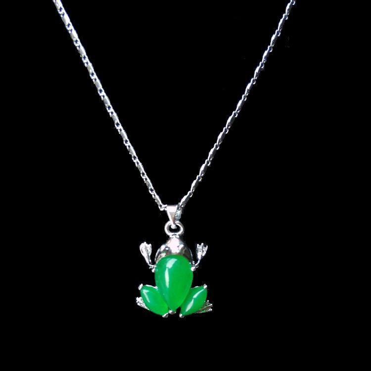 Grenouille verte Jade naturel collier pendentif charme joaillierie Mode femme sculpté à la main Homme AHD Cadeaux Chance Amulette