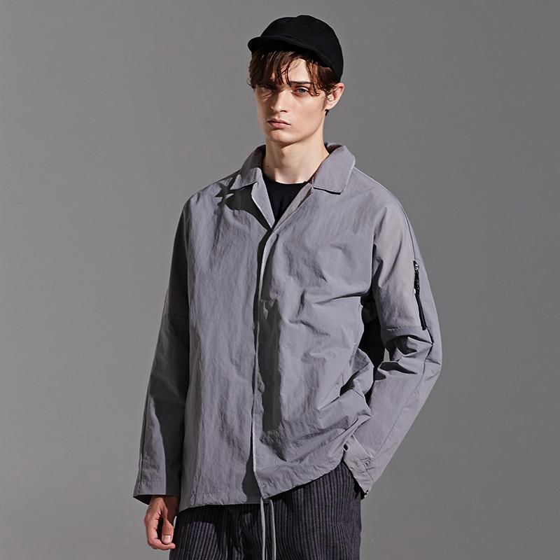 EWQ / usura degli uomini giacca a vento camicia in tessuto per il maschio 2020 Primavera Nuovo Collare Dentellato Allentato Manica Lunga Top con tasche 9Y1839